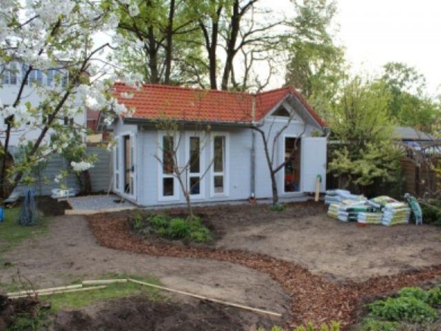 Gartenhaus Biesdorf mit Gaube - Außenansicht