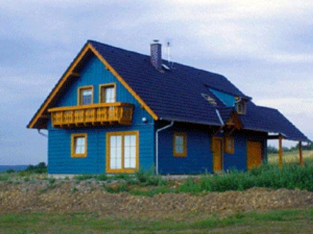 Einfamilienhaus Tanne - Außenansicht mit Balkon