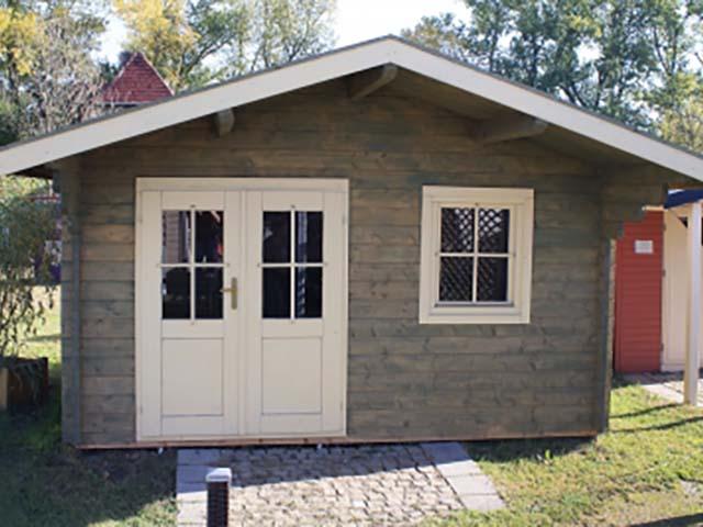 Holz Gerätehaus in Fertigbauweise